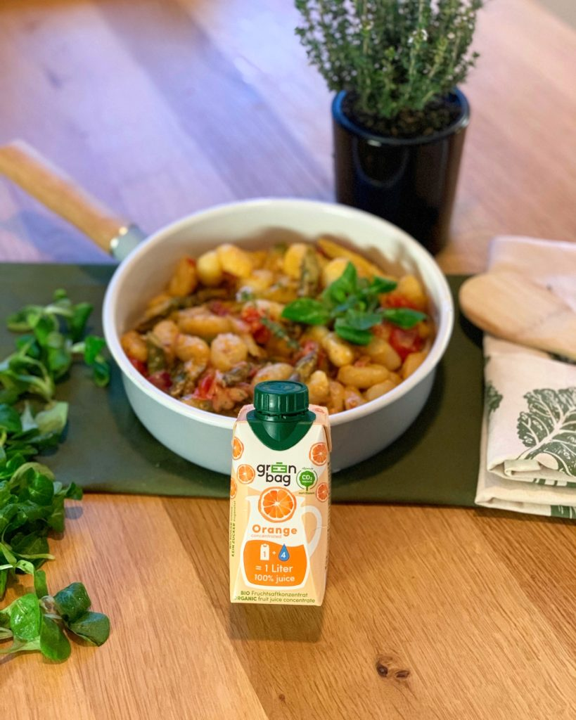 Rezept mit Green-Bag Bio Fruchtsaftkonzentrat Orange: Spargel trifft Orange Gnocchipfanne